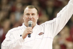 Bielema's recruits like his blue-collar, fatherly approach
