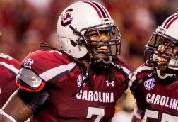 Clowney says he's in 'really good shape', coaches want more effort