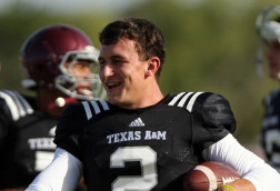 Updated: Johnny Manziel questioned by NCAA Sunday, denies taking money