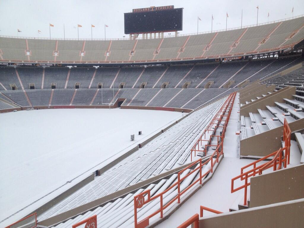 neyland-stadium-snow