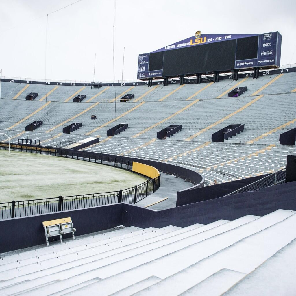 tiger-stadium-snow