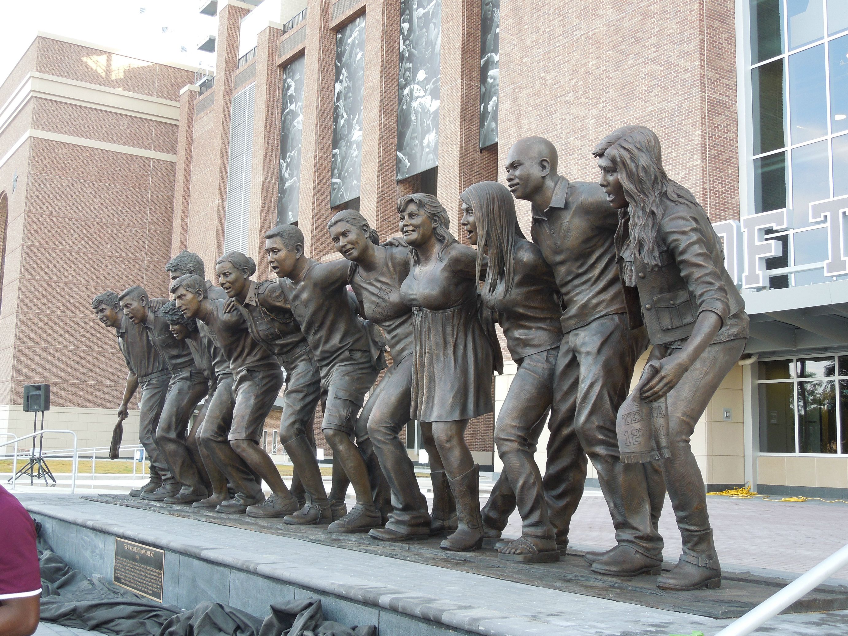 Documenting The Statues On The Sec S Campuses And Stadiums