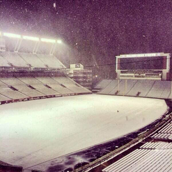 Williams-Brice-Stadium-snow