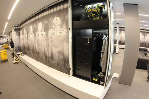 Best College Football Locker Rooms 2014