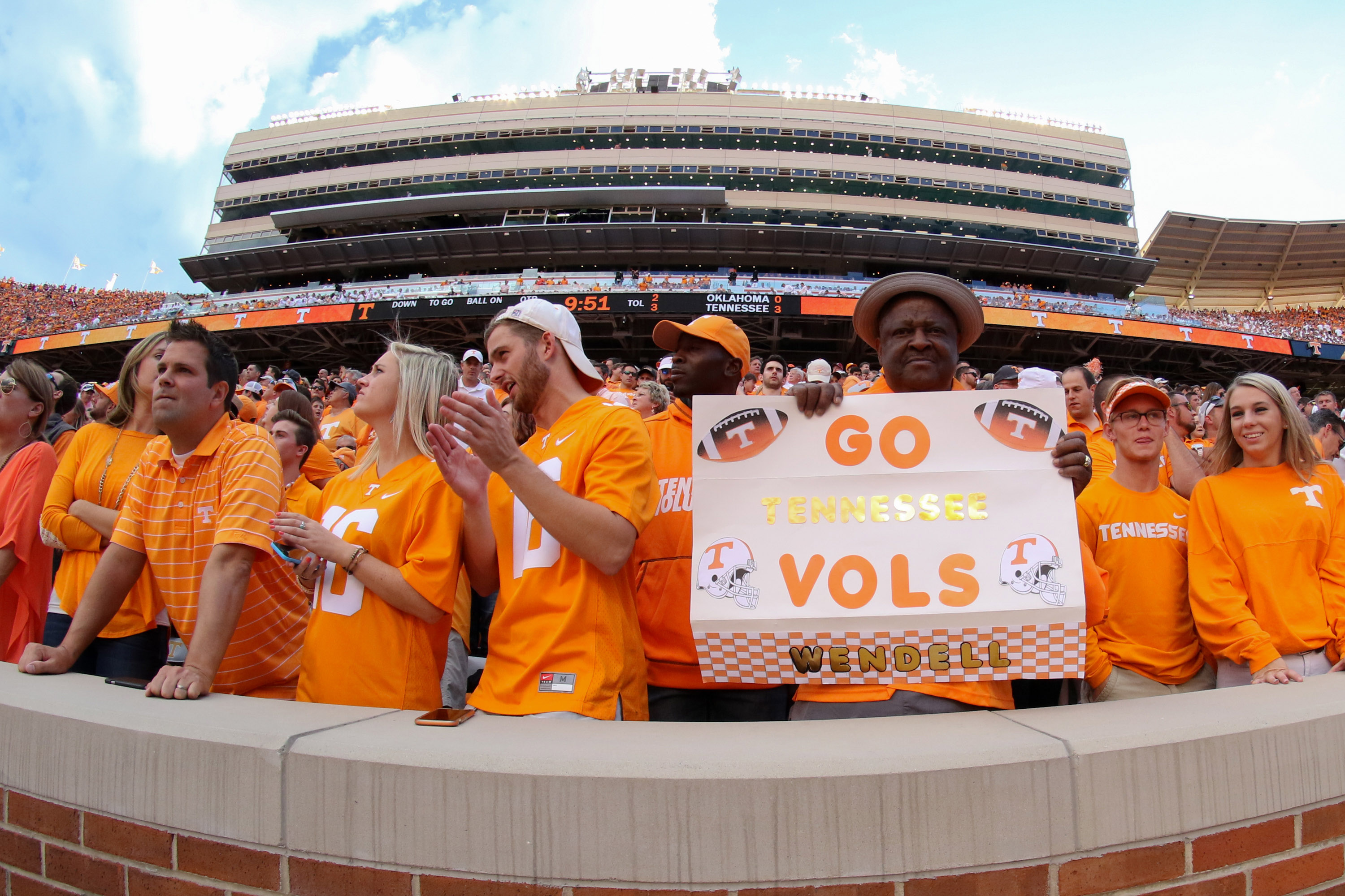 Tennessee announces 2020 opponent