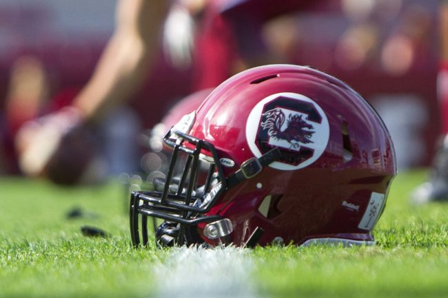 South Carolina lands commitment from 2017 offensive lineman