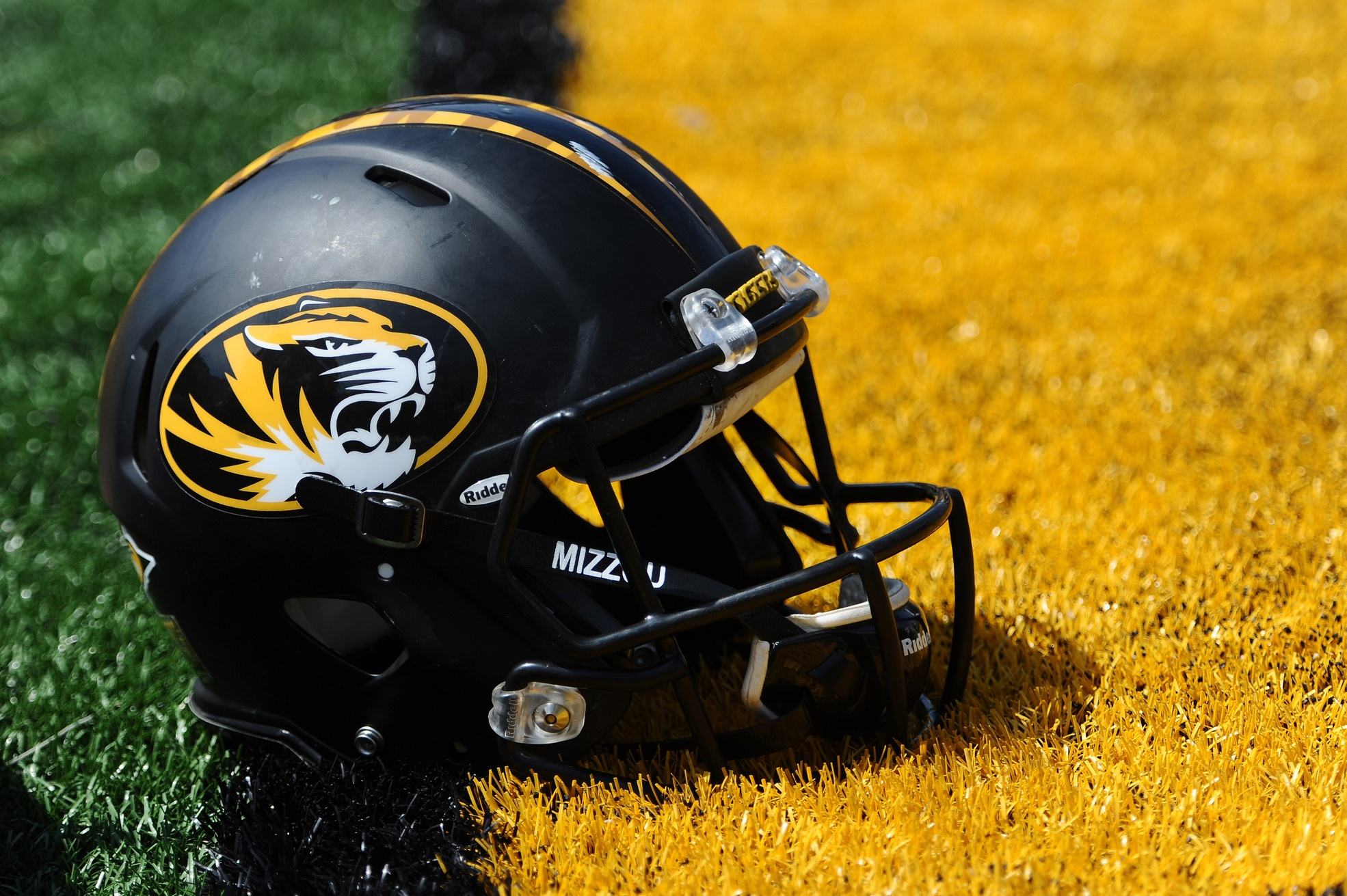 Photo: Mizzou recruit wearing what appears to be a new ...