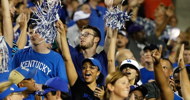 Kentucky Fans (Cheering) Kim Klement-USA TODAY Sports