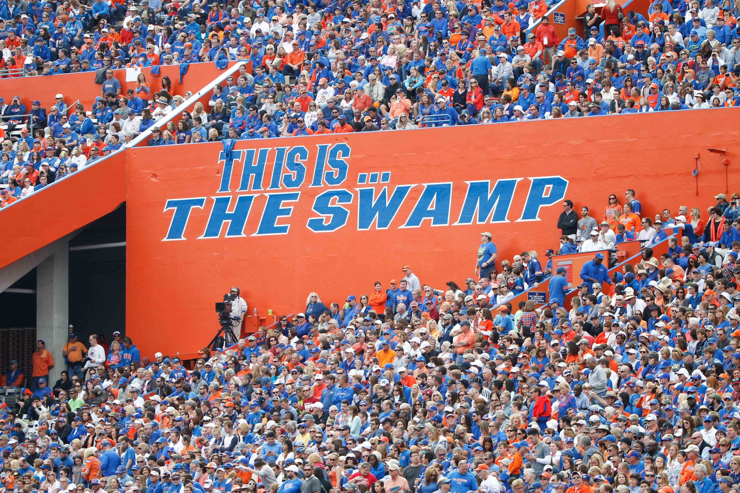 Gainesville bar giving out free shots every time UF scores ...