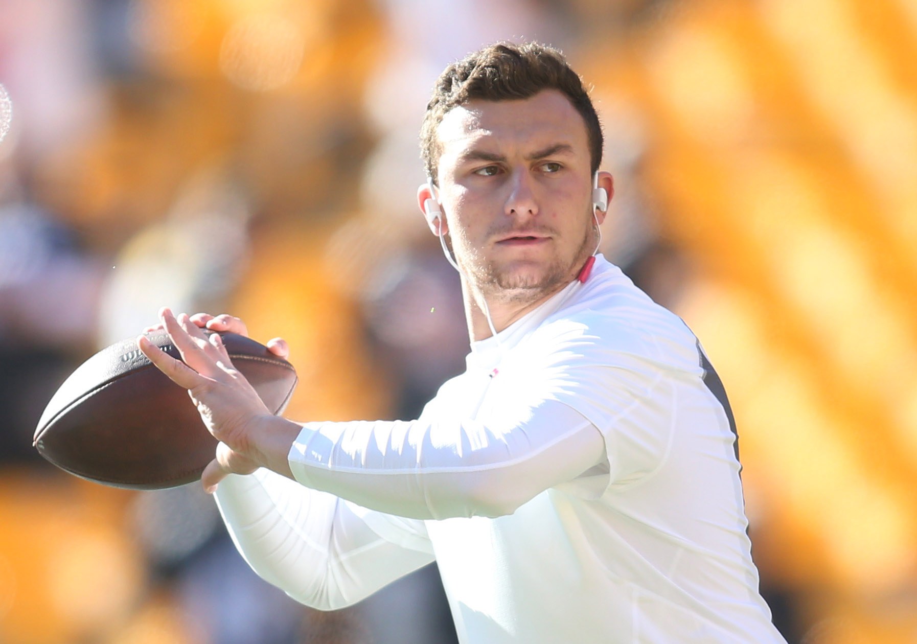Thanks To Bovada You Can Now Bet On Whether Johnny Manziel Will Be On An Nfl Roster In