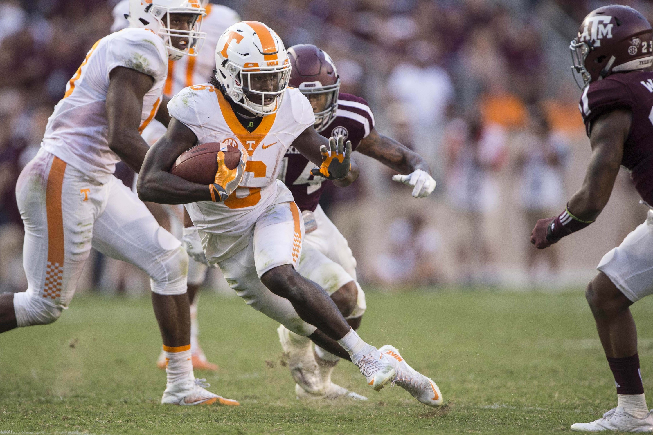 Oct 8, 2016; College Station, TX, USA; Tennessee Volunteers running back Alvin Kamara (6) runs for a first down against the Texas A&M Aggies during the second half at Kyle Field. The Aggies defeat the Volunteers 45-38 in overtime. Mandatory Credit: Jerome Miron-USA TODAY Sports
