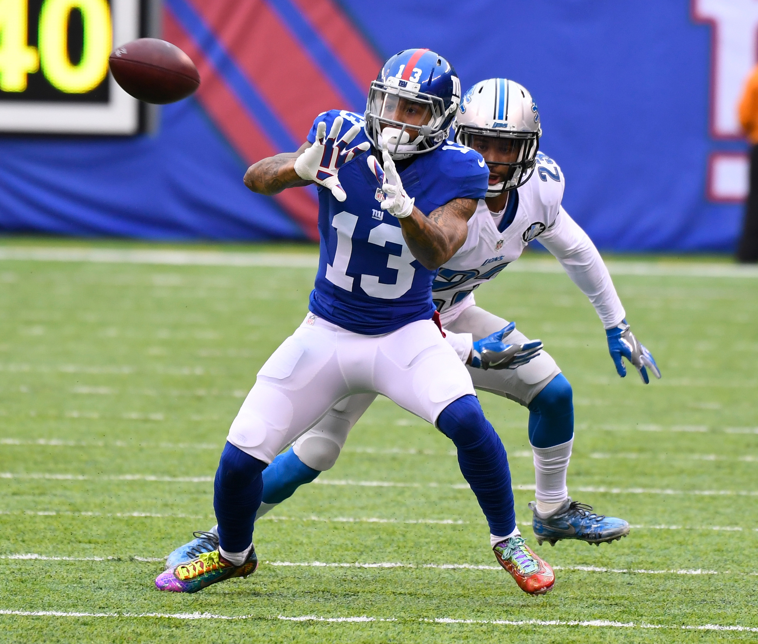 Odell Beckham Jr Fined 18k By Nfl For Wearing Cleats