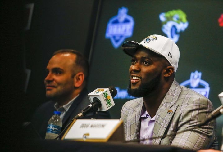 Leonard Fournette signs rookie contract with Jaguars