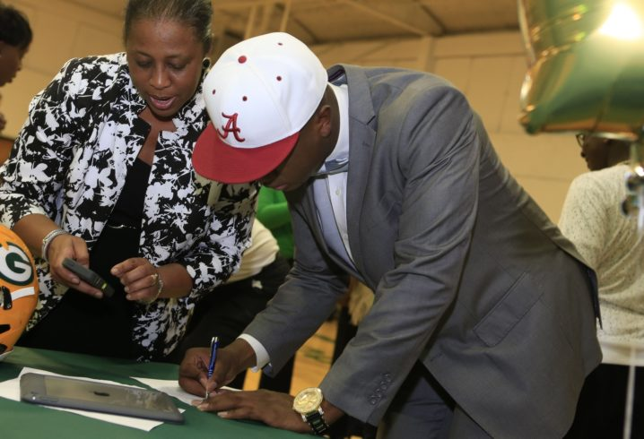 Pros and cons of the NCAA's new early signing period