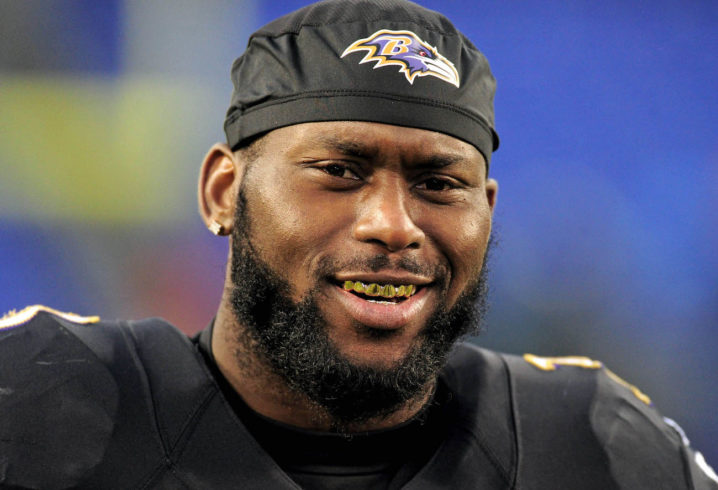 Ex-Raven Elam faces theft, battery charges