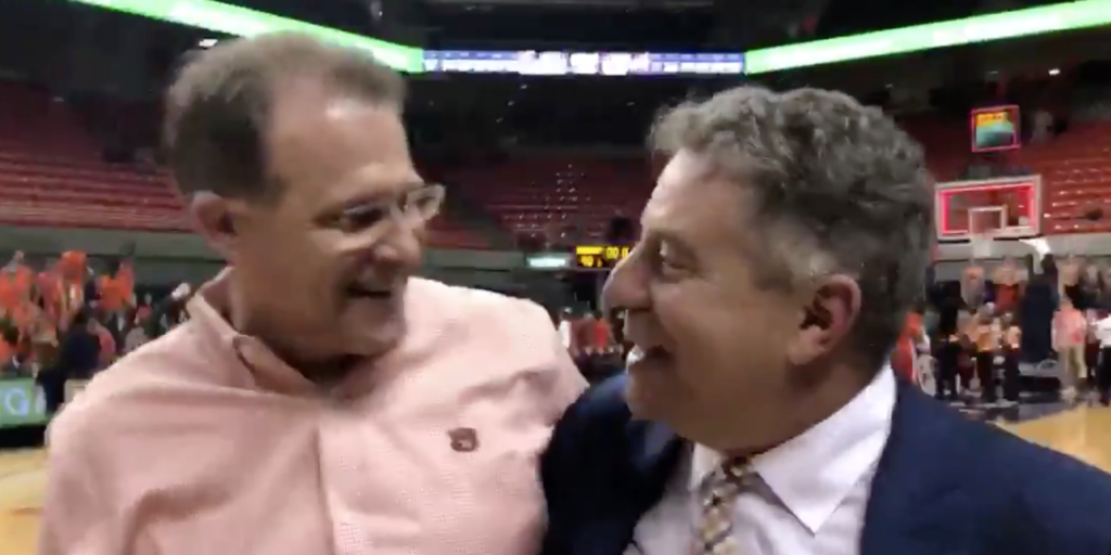 WATCH: Bruce Pearl has his own 'dog crap' moment after big ...
