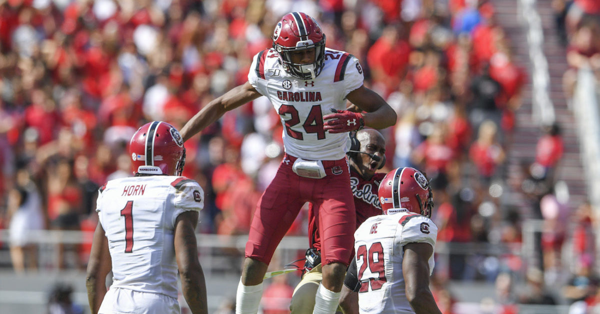 South Carolina DB Israel Mukuamu earns national award ...