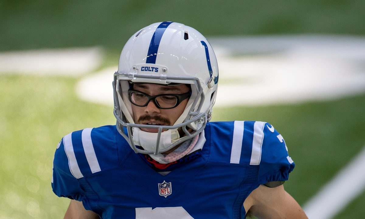 Respect The Specs Fan Favorite Rodrigo Blankenship Wins Indianapolis Colts Kicking Competition